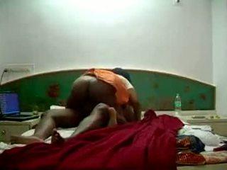 हॉट south इंडियन chennai मैड aunty फक्किंग उसकी bo