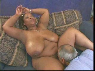 melns un ebony, interracial, liels dabas krūtis