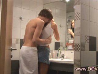 Caldi sesso in il bagno