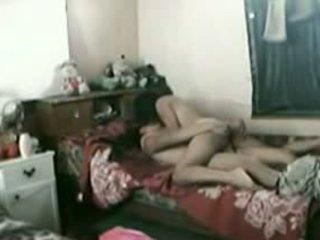 Indoneziýaly gyz with her pakistanly boyfriend