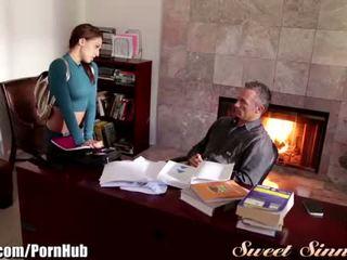 Sweetsinner sara luvv uzbudinātas par step-dad