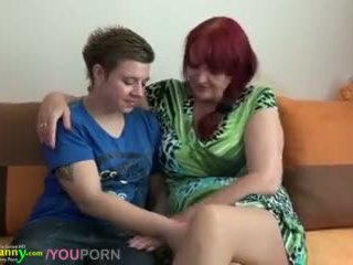 Leszbikus nagyi és tini -val hatalmas műfasz