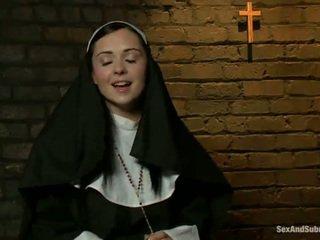 Erotiska nuns has tied upp och bumped grov av two persons