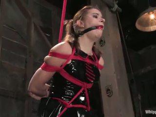Sarah blake has tortured και toyed με claire adams