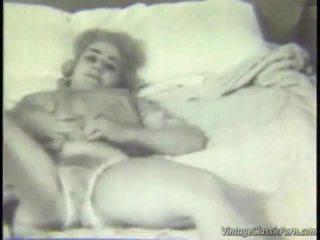 Demode dhomë gjumi striptease