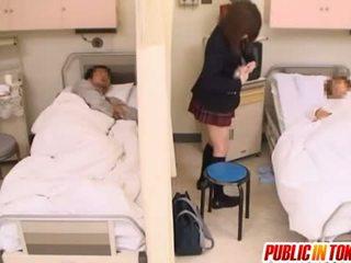 Marota japonesa jovem grávida gets fodido em um hospital cama