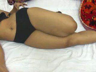Mona bhabhi verwijderen lingerie voor seks indisch aunty heet