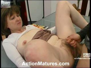 Elinor 和 morris 有性 老 性能