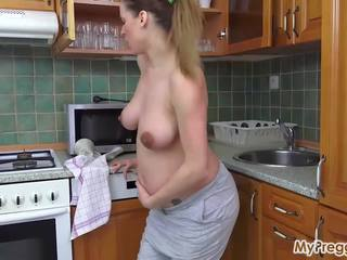 Slammed by Painful Contractions 40 Weeks, Porn 6a