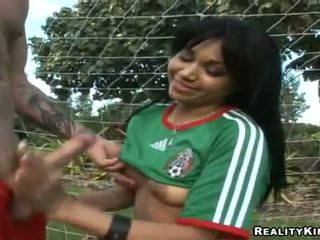 Mexican Angel Flaca Acquires Her Coach In The Goal