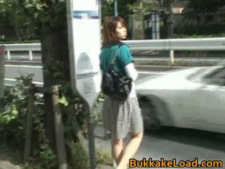 Schattig aziatisch babe attacked op een bus rit
