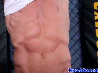 Atletik homo hunk wanking his sik