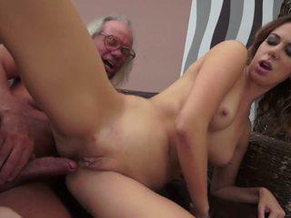 Seksuālā twat helps ārā vecs neglītas gardener, hd porno 93
