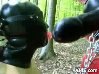 Gummi slaves krawatte selbst auf die woods