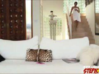 Enorme poppe ada sanchez shares cazzo a matrigna diamond kitty