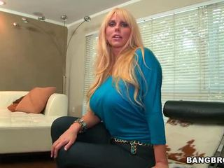 блондинки, големи цици, свирка