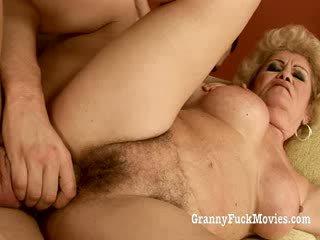 60 plus babcia gets fucked w jej włochate cipka