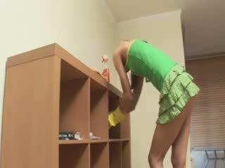 Крихітна apartment cleaner banged жорсткий