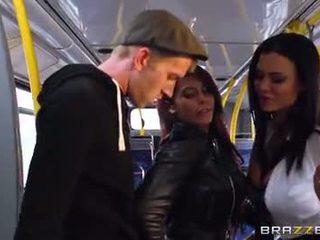 Autobus tragand pentru sexy fete madison ivy și ja