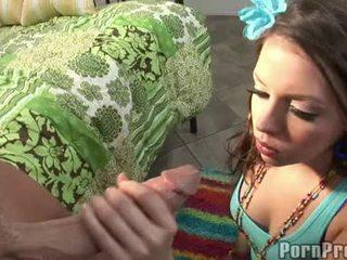 Wang innecandu-se floozy missy piatră receives ei gură spooned afară de o destructive ramdong