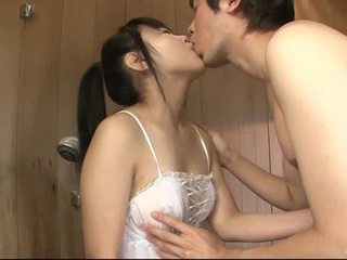 Jepang babe uses dia lidah