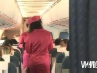 Seksi airlines rambut pirang