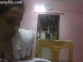 Slutty indický tajemník gets nadržený v the kancelář