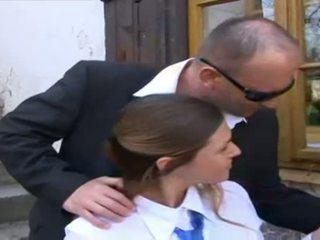 Tanár fasz diáklány -ban egyenruha
