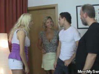 Blondīne meitene involved stāšanās 3jatā ar viņa olds
