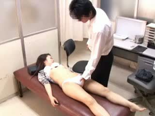 Perversi dottore paralyses patients 1
