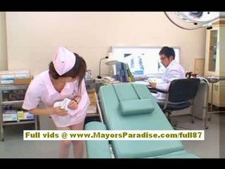 Akiho yoshizawa sexy aziatike infermiere enjoys teasing the doktori