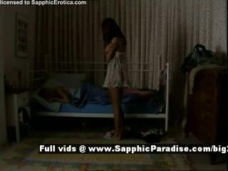 Delores и jo от sapphic eroticalesbian момичета teasing