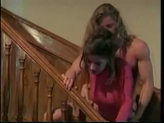 Nikki dial ir a mammīte princese
