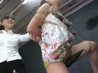Ayumi gets злягання і tortured