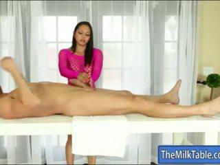 Krūtinga masseuse adrianna luna blowjobs pagal the lentelė
