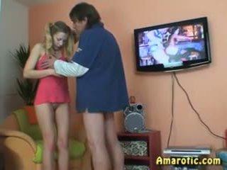 Старий людина - молодий дівчина: безкоштовно підліток порно відео 13