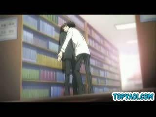 Hentai gay gajo e homem having kisses e amor em biblioteca quarto