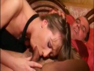 Warga itali seksi suri rumah seks / persetubuhan sangat hardly dalam pantat/ punggung dengan stranger