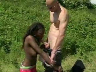 Afričan amatér fucked outdoors