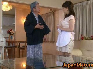 Eldre japansk kvinne faen kanal