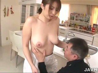 Gros seins japonais does boobjob