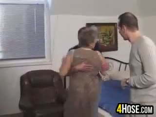 Gemuk nenek fucked dalam yang pantat/ punggung