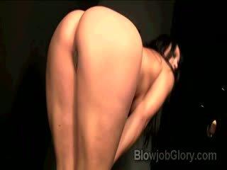 Adriana confesses qua sự nịnh hót priests to dong thru gloryhole