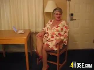 Gorda abuelita wearing pantis
