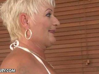 meest oma, zwart haar tube, meer lesbisch