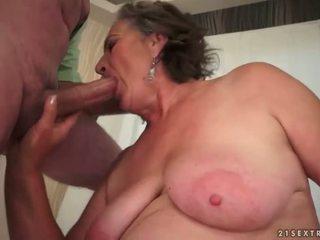 Kamçı jinekolojik enjoying olgun swinger seks
