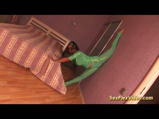 cute flexible bigbreast gymnast teen in spandex