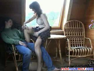 Expérimenté mère baisée par garçon partie 2
