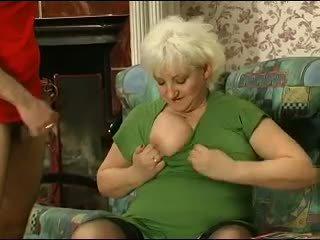 Bionda grannie - punishment turns in sesso