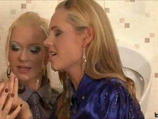 u pijpen, plezier blondjes scène, nieuw zuig- porno